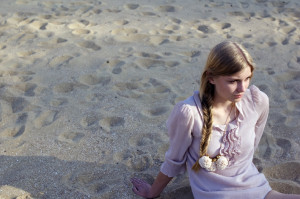 Necklace by The Vamoose | Photography by Eefje de Coninck