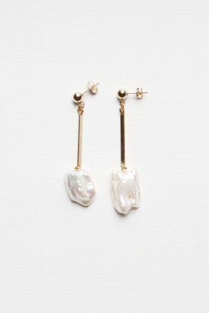 Pearl Drop Earrings by The Vamoose